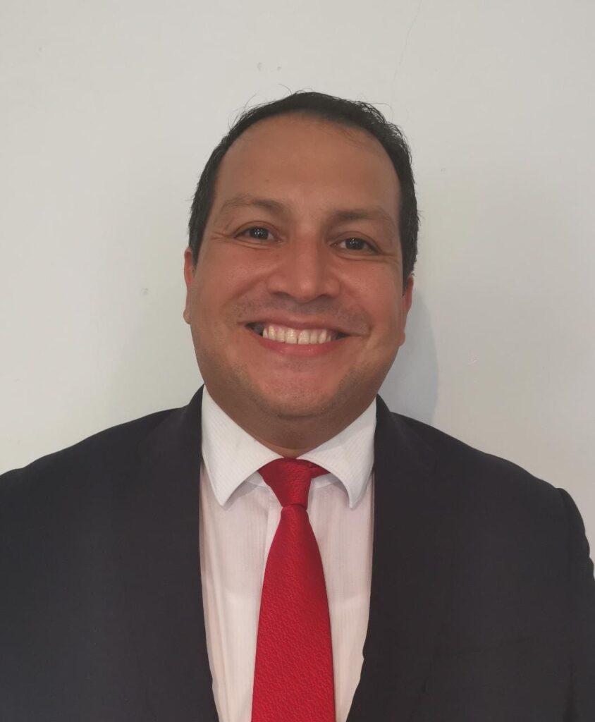 Pr. Rubén Carballo